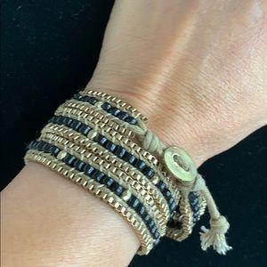 Jewelry - Gold and black beads wraparound bracelet